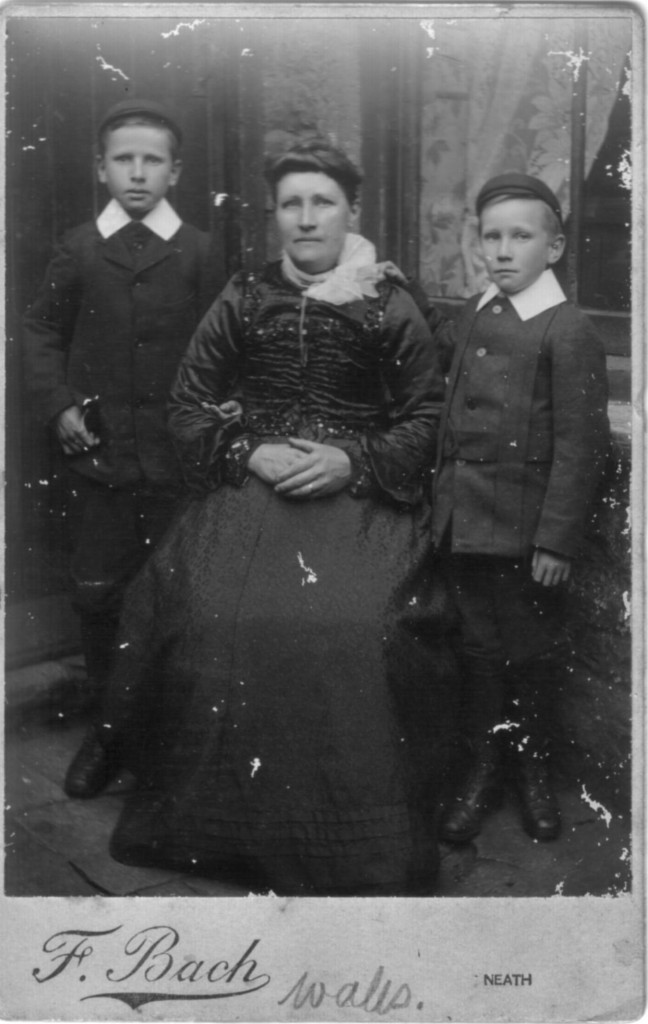 Emma Flexton Mason (1857 - 1926) with her two sons.